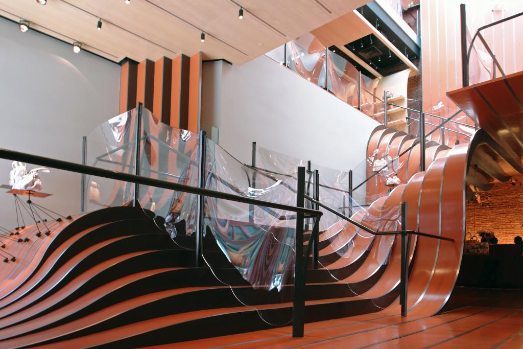 Лестница в магазине Longchamp в Нью-Йорке